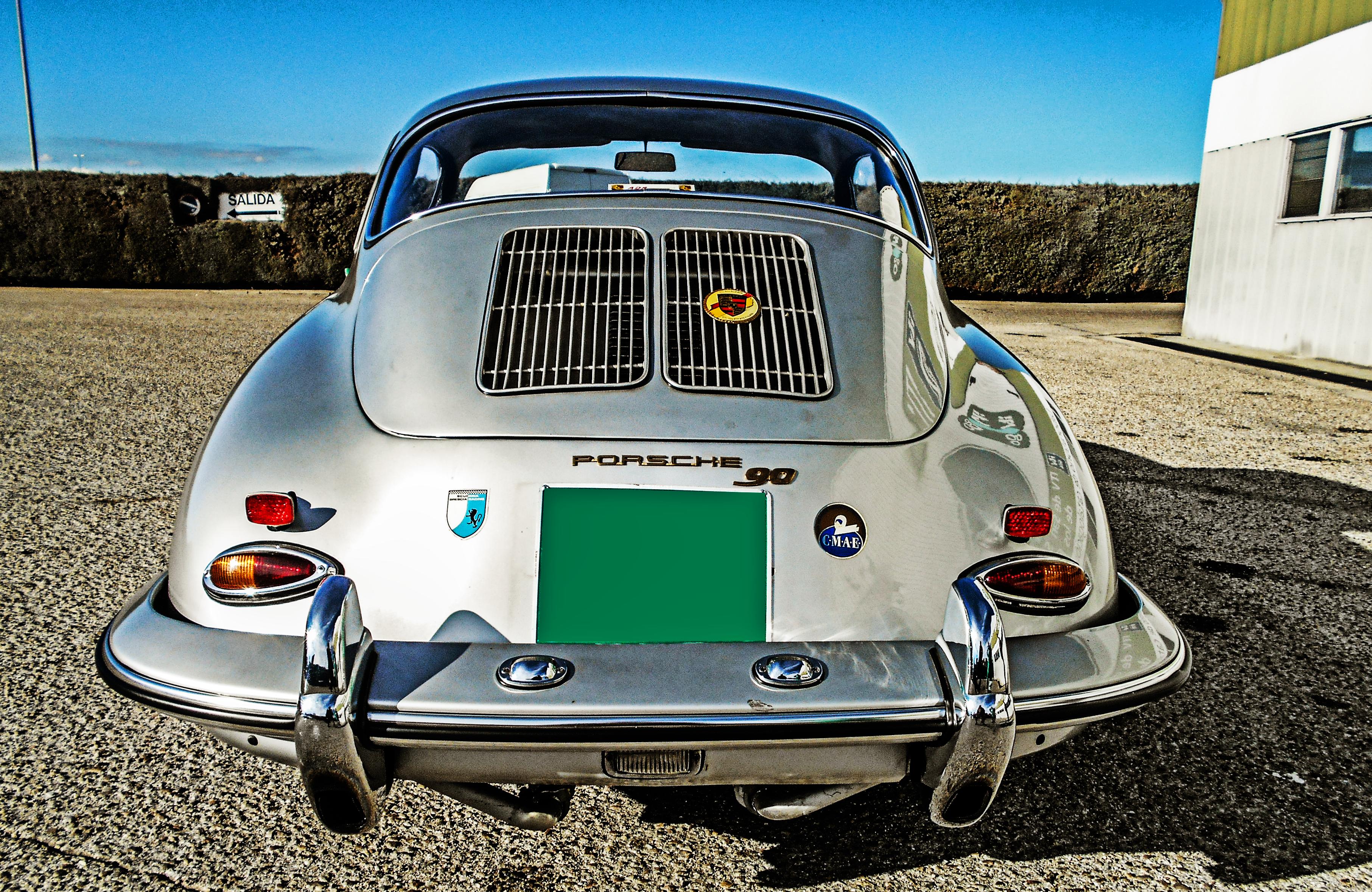 La parte trasera del Porsche 356b.. ¿No os recuerda al Beetle?